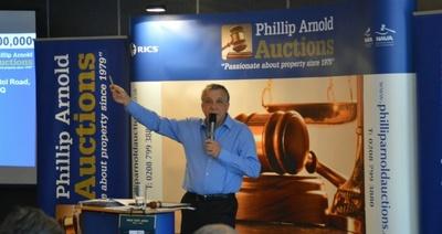 phillip_arnold_auctioneer_400.