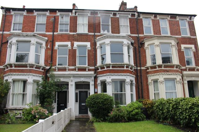 Flat 2, 313 Clapham Road, Stockwell